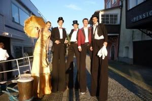 Stelzenläufer Ensemble