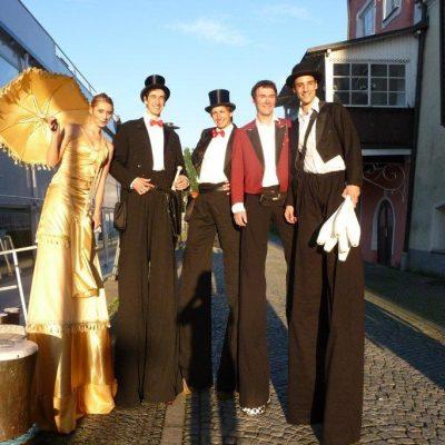 Gentlemen Im Ensemble